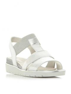 Get £15 off stylish Gabor Sandals